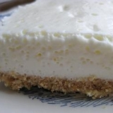 簡単でヘルシー♪ ふわっと美味しいレアチーズケーキ