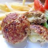 簡単材料☆チーズinハンバーグ