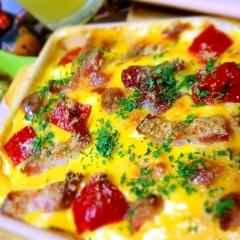 スパイシー野菜カレーを優しく包むクリーミーグラタン