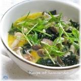 レンジで簡単! きのことワカメのスープご飯