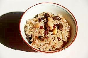 玄米ご飯(黒豆、大豆、小豆入り)