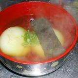 夜食に風邪予防に最適☆めんつゆで簡単おすまし雑煮☆