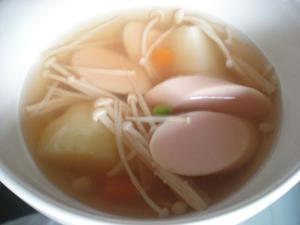 家にある常備食で☆こどもでもつくれるコンソメスープ