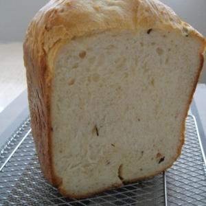 HBで☆桜の塩漬け食パン