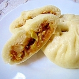 キャベツとたまごの中華まん(巻心菜鶏蛋包子)