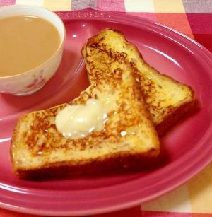 ライ麦パンのフレンチトースト♡ハニーバター仕上げ