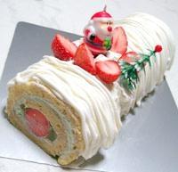 クリスマスに!ホワイトロールケーキ
