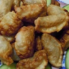キャベツと鶏ミンチの揚げ餃子♪