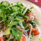 トマトと春菊の中華サラダ