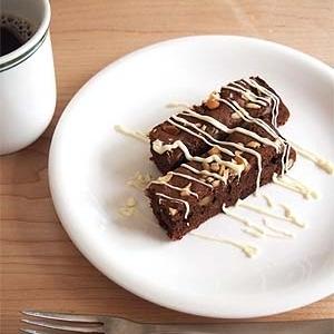 チョコもナッツもたっぷりブラウニー