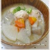 """ほっこり優しい味わい""""えび団子と根菜の豚汁"""""""
