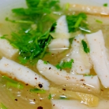 笹かまぼこの春雨スープ