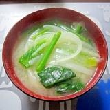 和朝食!ほうれん草と玉ねぎのお味噌汁