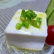 オリーブオイルと塩がイタリア風♪ ヒヤ・ヤッコーネ