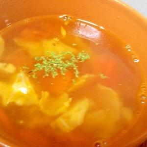 トマトとキャベツのコンソメスープ