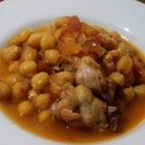 骨付き鶏肉とひよこ豆の煮込み
