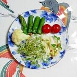 カリフラワーとアスパラのサラダ