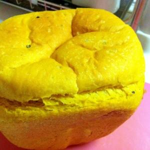 HBで簡単!!甘いいい匂い~かぼちゃパン♪
