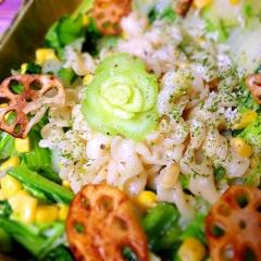 春の野原の塩麹クリームパスタ野菜炒め添え