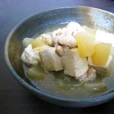柚子胡椒がきいた鶏皮と大根と焼き豆腐のたいたん