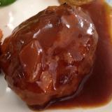 ビーフシチューの素で★煮込みハンバーグ(*^^*)