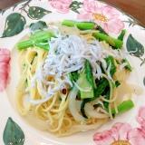 野沢菜の新芽と釜揚げしらすのペペロンチーノ
