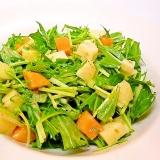 柿とりんごと水菜の胡麻マヨサラダ