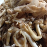 豚肉とキノコのニンニクバター、麺つゆ炒め