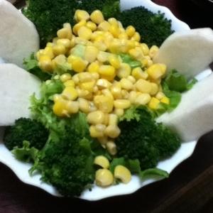かぶとコーンのグリーンサラダ