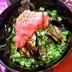 ピリリと辛い明太子ソースと茄子の稲庭うどん