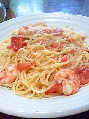 海老とトマトのシンプルパスタ