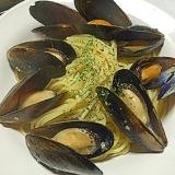 【超簡単!!】ムール貝の白ワイン蒸しパスタ