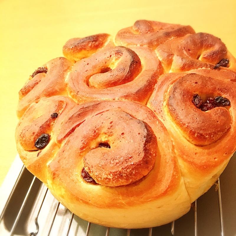 HB使用☆レーズンシナモンロールのちぎりパン