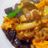 豚ばら肉と生きくらげ、きのこの中華炒め
