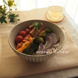 レインボー野菜と雑穀のブッダボウル