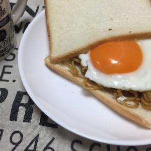 食パンで☆焼きそばパン☆