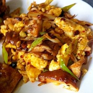 椎茸とタマゴの食べらー炒め