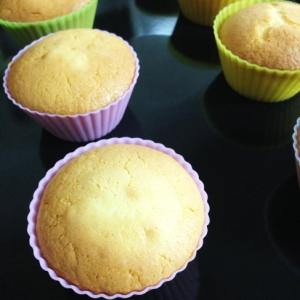 材料4つ!!シンプルカップケーキ