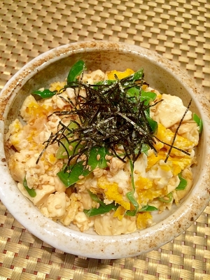【豆腐と卵の中華風炒め】ネギを刻むだけ♪