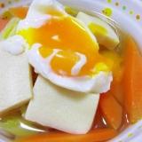 具たくさん♪半熟卵の温かいお蕎麦