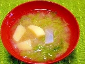 毎日のお味噌汁71杯目*白菜と大根、ジャガイモ