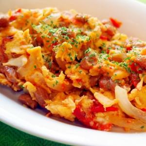 納豆とトマトのふんわりオムレツ