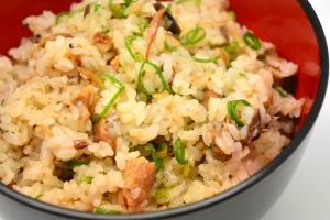 <定番シリーズ>すぐ作れる簡単酢飯の混ぜご飯