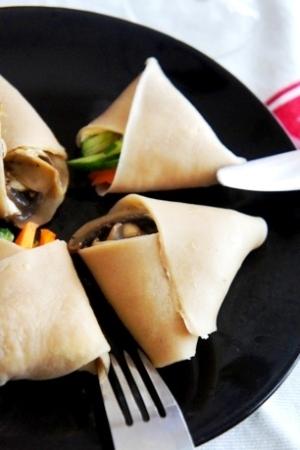 ルクエで一口クレープ、クリチと野菜のガレット
