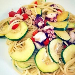 タコと夏野菜のペペロンチーノ