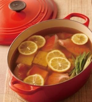 [ル・クルーゼ公式] 金目鯛と焼き豆腐のレモン鍋