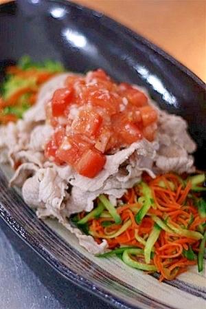 豚肉の冷しゃぶサラダ・塩麴トマトドレッシング