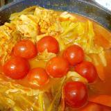 栄養たっぷり(^^)鶏モモ肉と野菜のトマト鍋♪