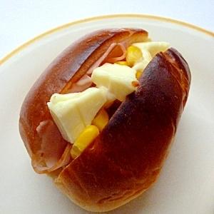 ハム・コーン・クリームチーズトースト
