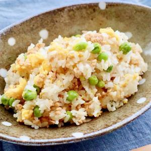 炊き込みグリーンピースと鶏そぼろの混ぜごはん♪